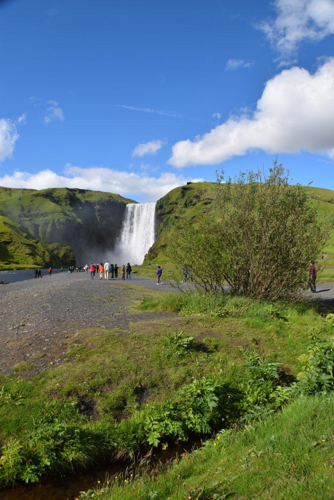 Auf dem Weg zum Skógafoss in Island