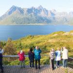 Fotostopp am Austnesfjord auf den Lofoten in Nordnorwegen