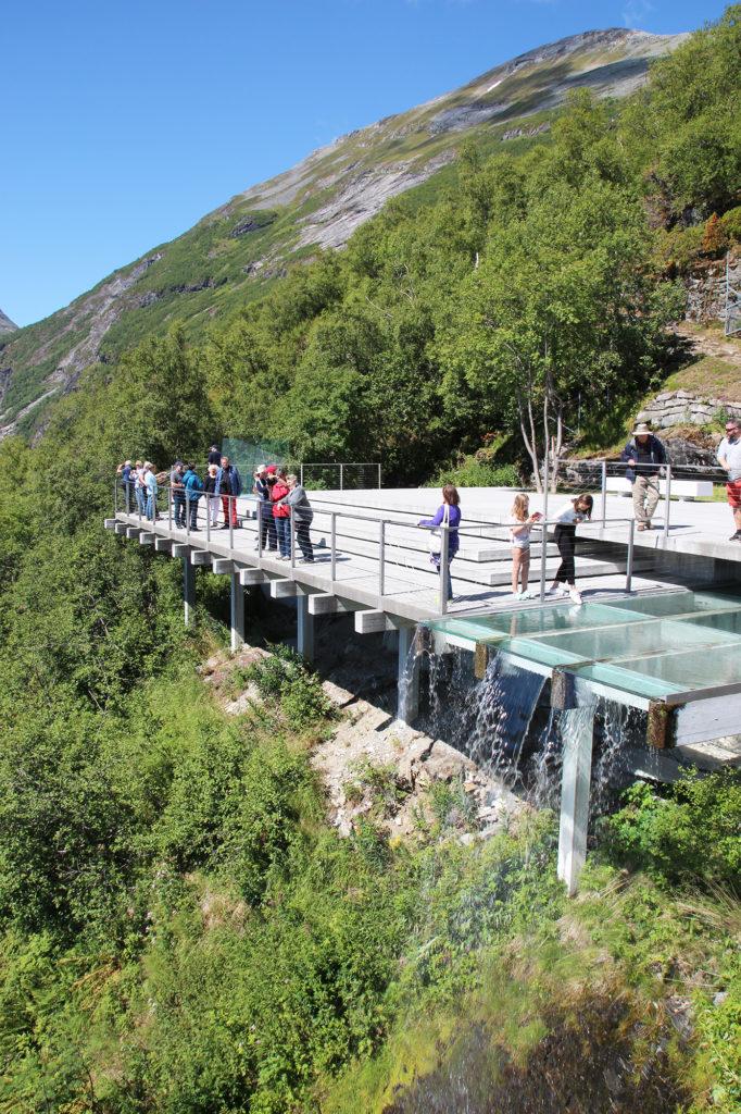 Fotostopp an der Adlerstraße am Geirangerfjord in Norwegen