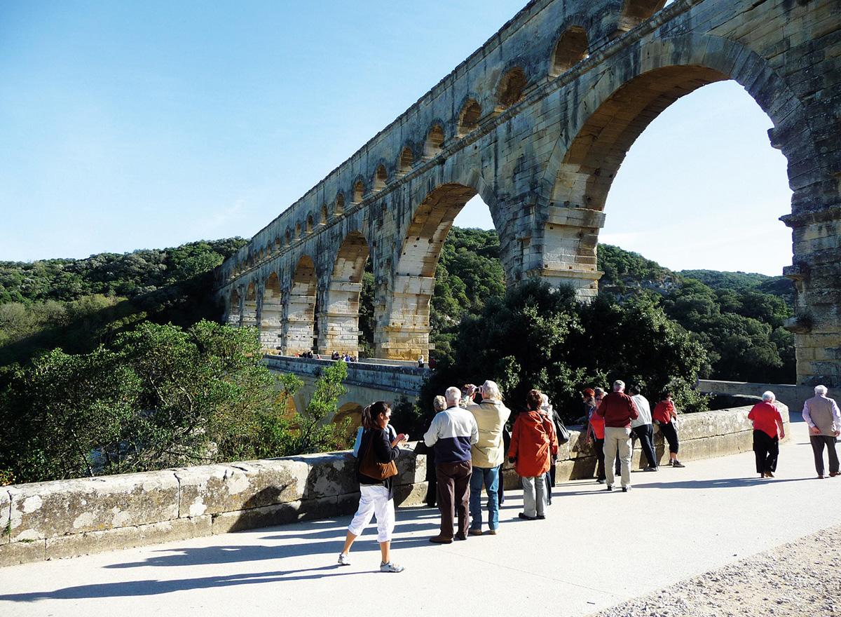 Fotostopp an der Pont du Gard in Südfrankreich