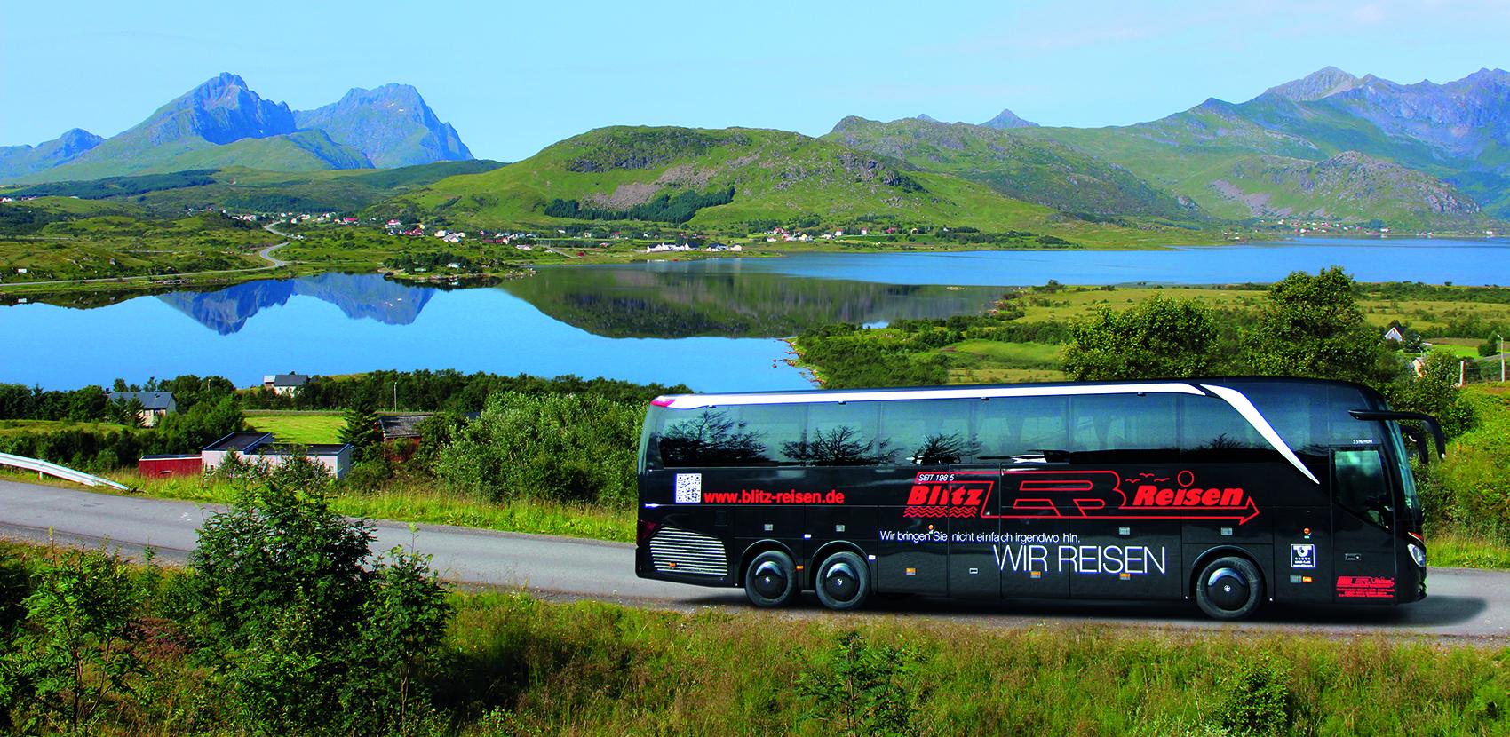 NEU Ein Blitz-Bus auf den Lofoten in Nordnorwegen